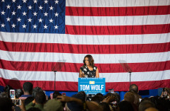 Michelle Obama speaking at Tom Wolf Event